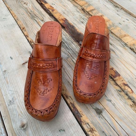 Vintage Shoes   Vintage 7s Wooden Clogs